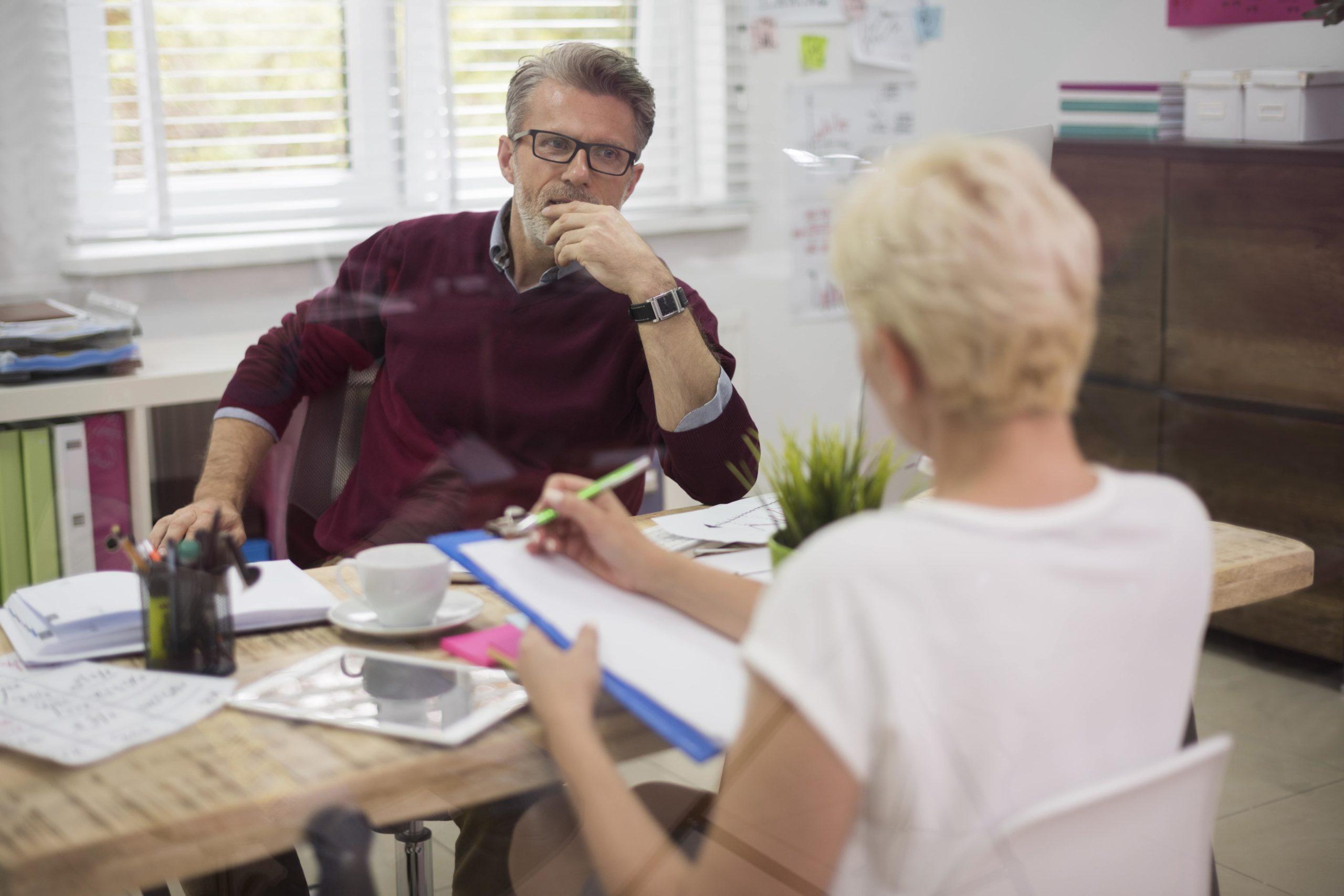 Leasing pracowniczy a outsourcing – różnice i korzyści dla firm