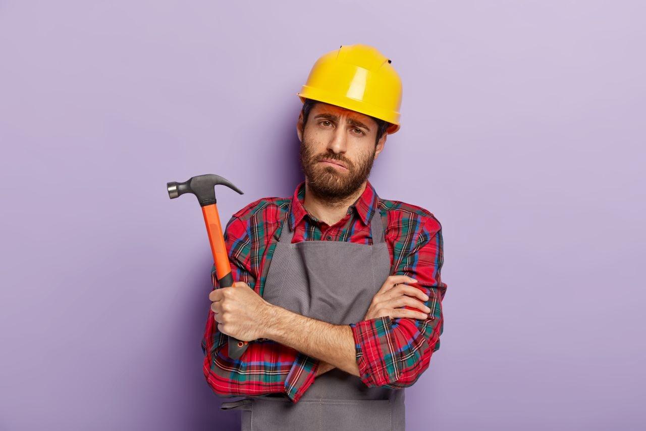 Konsekwencje i obowiązki związane z porzuceniem pracy przez cudzoziemca