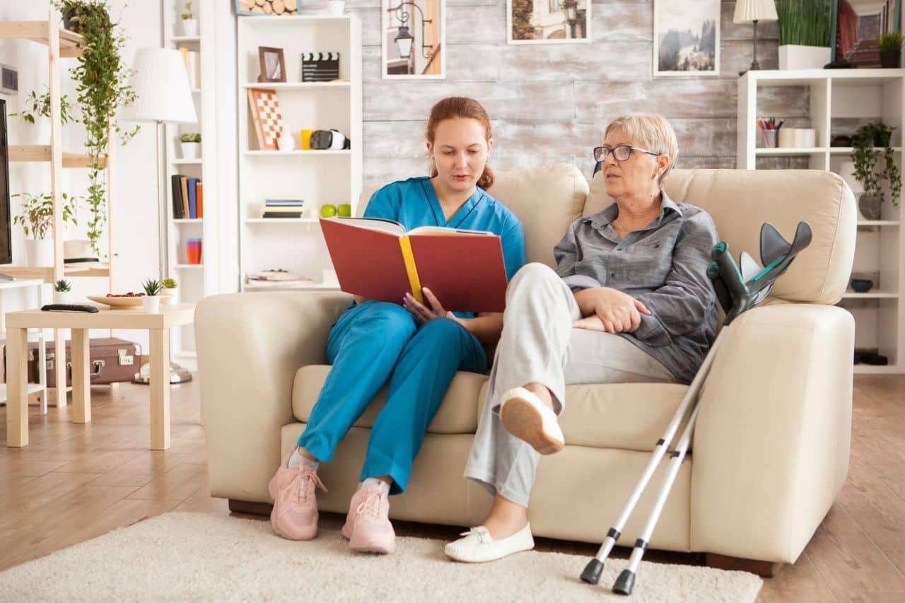 Opiekunka osoby starszej – z Ukrainy do Polski